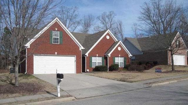 Photo 1 of 18 - 3510 Rivers End Pl, Buford, GA 30519