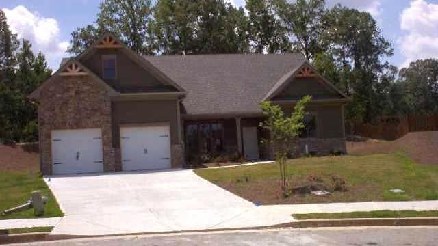 Photo 1 of 13 - 3178 Piney Woods Cir, Buford, GA 30519