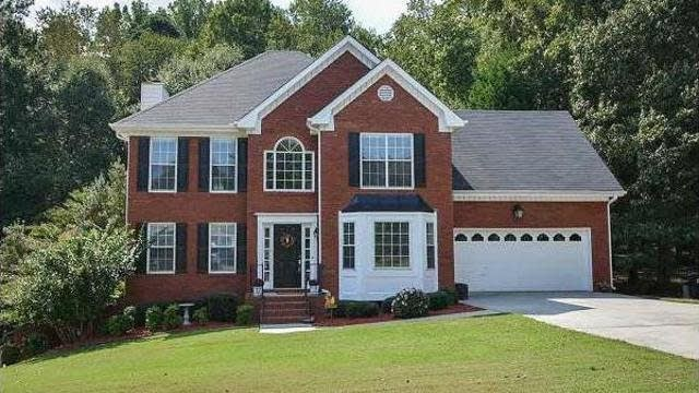 Photo 1 of 22 - 3330 Coles Creek Dr, Buford, GA 30519