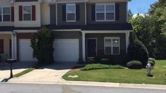 Photo 1 of 31 - 3036 Cedar Glade Ln, Buford, GA 30519