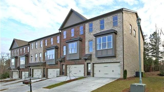 Photo 1 of 20 - 2826 Laurel Valley Trl, Buford, GA 30519