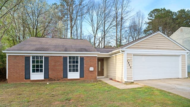 Photo 1 of 14 - 1950 Surrey Hill Cir, Lawrenceville, GA 30044