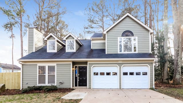 Photo 1 of 25 - 1390 Andrew Ct, Lawrenceville, GA 30043