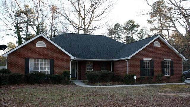 Photo 1 of 23 - 2760 Ivy Mill Dr, Buford, GA 30519
