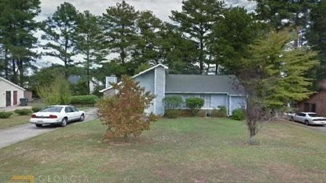 Photo 1 of 2 - 7784 Park Ln, Jonesboro, GA 30236