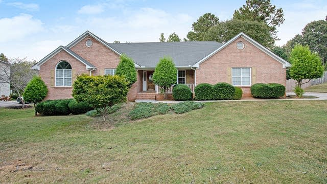 Photo 1 of 19 - 100 Pates Lake Dr, Hampton, GA 30228