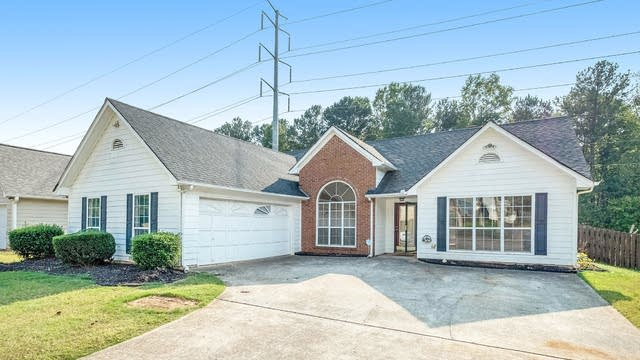 Photo 1 of 17 - 290 Paris Dr, Lawrenceville, GA 30043