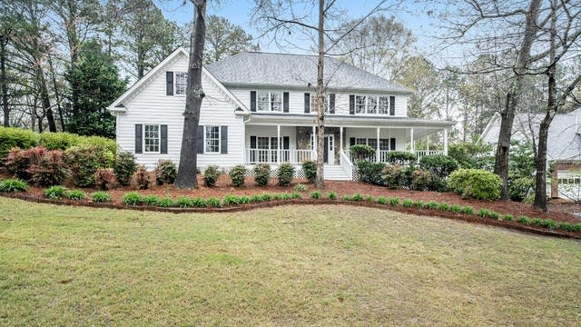 Photo 1 of 16 - 1089 Sunny Field Ln, Lawrenceville, GA 30043