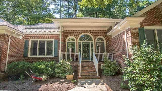 Photo 1 of 20 - 4012 Westwood Pl, Raleigh, NC 27613