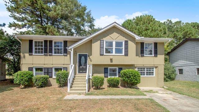 Photo 1 of 17 - 6370 Ashdale Dr, Atlanta, GA 30349
