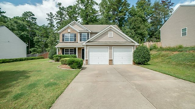 Photo 1 of 19 - 1401 Pine Acre Dr, Sugar Hill, GA 30518