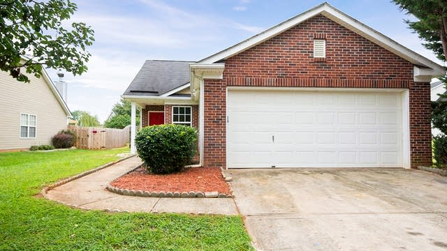 Photo 1 of 22 - 7828 Sullivans Trace Dr, Charlotte, NC 28217