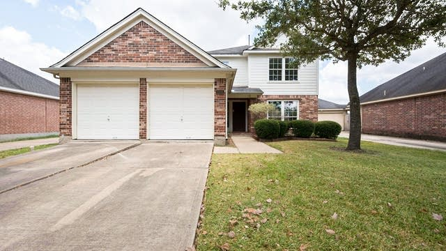 Photo 1 of 29 - 1506 Waterside Village Dr, Richmond, TX 77407