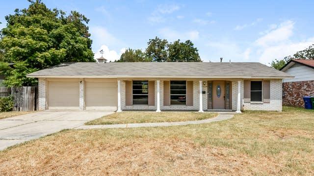 Photo 1 of 25 - 5035 Lakewood Dr, San Antonio, TX 78220