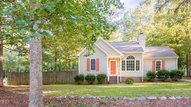 Photo 1 of 23 - 156 Thistle Dr, Youngsville, NC 27596
