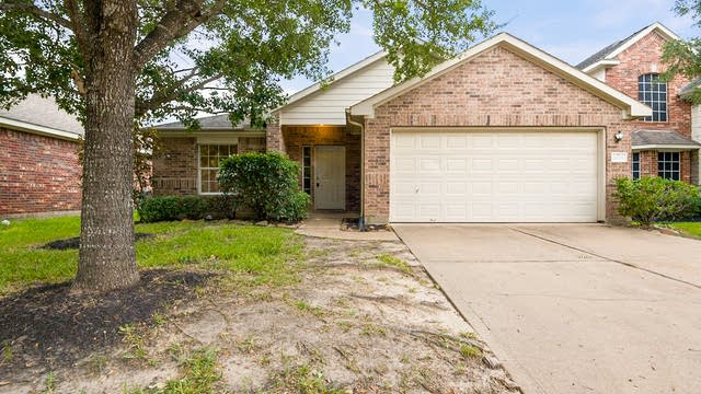 Photo 1 of 24 - 9622 Blanchard Springs Dr, Houston, TX 77095
