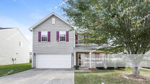 Photo 1 of 25 - 905 Fulworth Ave, Wake Forest, NC 27587