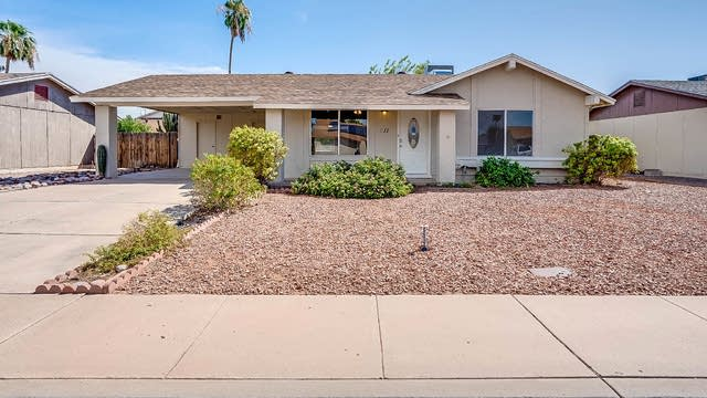 Photo 1 of 19 - 611 W Posada Ave, Mesa, AZ 85210