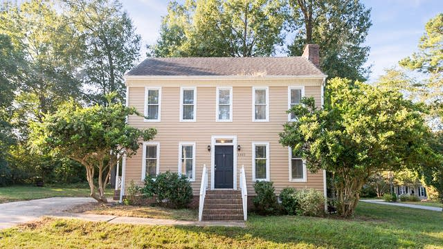 Photo 1 of 19 - 3300 Gatcombe Pl, Raleigh, NC 27604