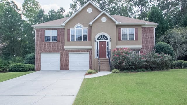 Photo 1 of 30 - 942 Wandering Vine Dr SE, Mableton, GA 30126