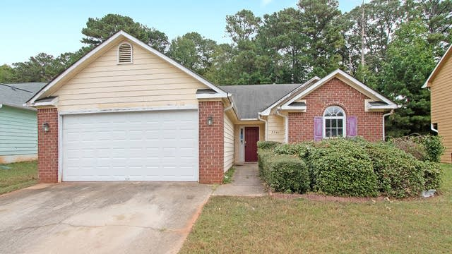 Photo 1 of 17 - 7740 Briar Forest Ln, Riverdale, GA 30296