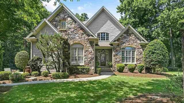 Photo 1 of 19 - 5621 Greenevers Dr, Raleigh, NC 27613