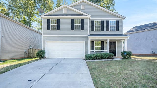 Photo 1 of 17 - 9823 Eagle Feathers Dr, Charlotte, NC 28214