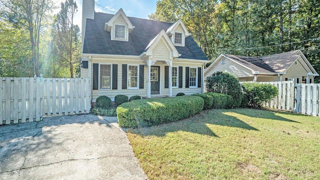 Photo 1 of 17 - 4501 Amy Rd, Snellville, GA 30039