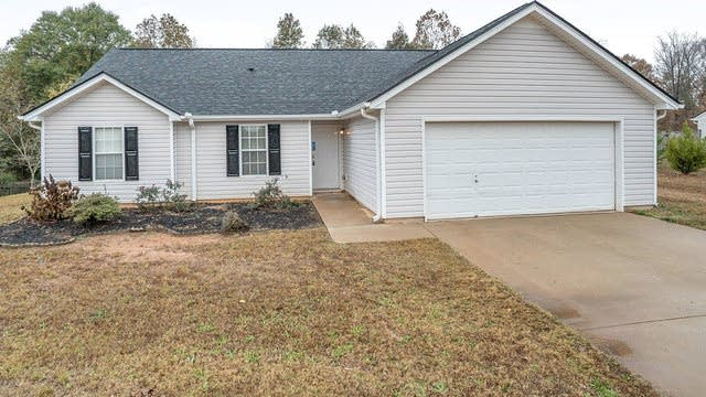 Photo 1 of 17 - 518 Stoney Creek Dr, Winder, GA 30680