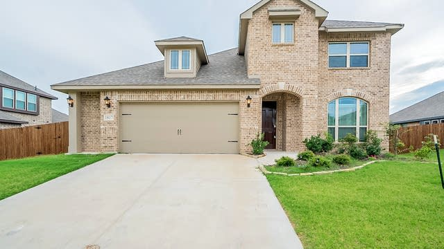 Photo 1 of 27 - 1817 Sunflower Dr, Red Oak, TX 75154