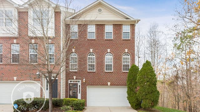 Photo 1 of 17 - 6955 Middleboro Dr, Raleigh, NC 27612