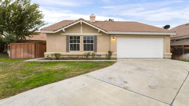 Photo 1 of 17 - 1980 Teco Dr, San Jacinto, CA 92583