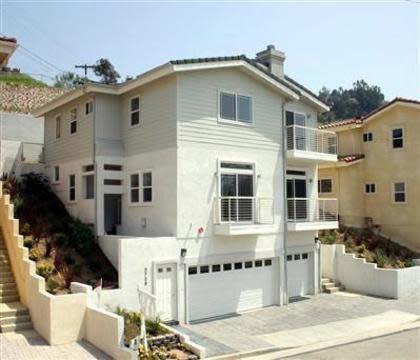 Photo 1 of 5 - 3736 Toland Way, Los Angeles, CA 90065