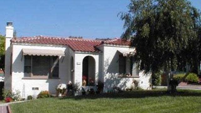 Photo 1 of 2 - 1275 Eagle Vista Dr, Los Angeles, CA 90041