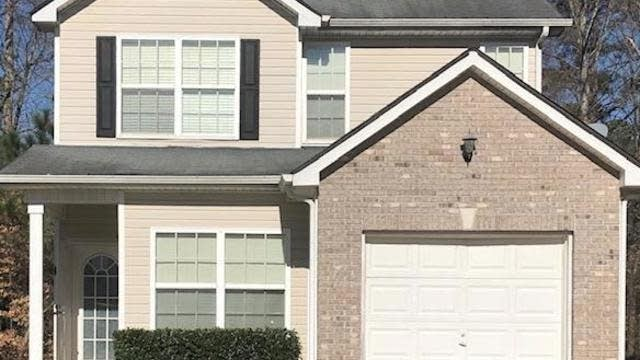 Photo 1 of 10 - 7705 Newbury Dr, Jonesboro, GA 30236