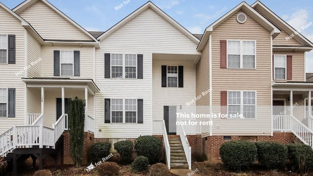 Photo 1 of 25 - 106 Piccadilly Ct, Clayton, NC 27520