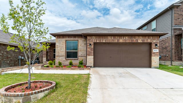 Photo 1 of 25 - 9433 Blaine Dr, Fort Worth, TX 76177