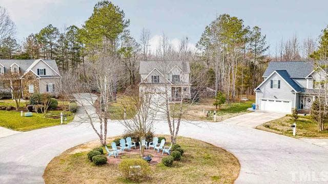 Photo 1 of 30 - 110 Anderson Park, Youngsville, NC 27596