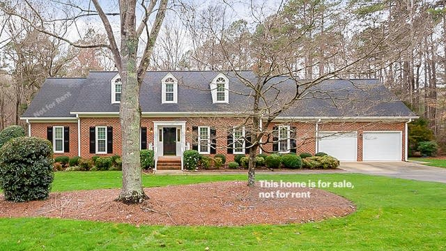 Photo 1 of 33 - 10809 Cahill Rd, Raleigh, NC 27614