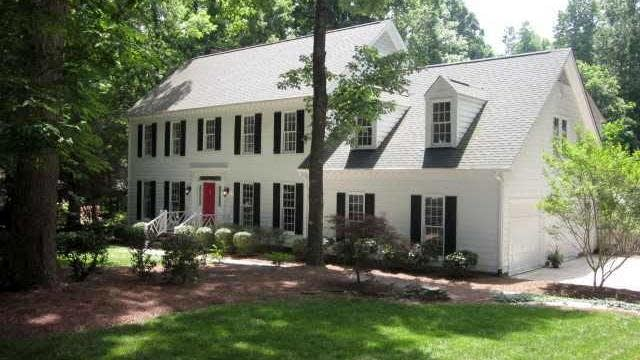 Photo 1 of 25 - 5001 Wood Valley Dr, Raleigh, NC 27613