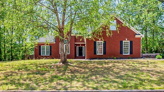 Photo 1 of 27 - 8260 Knollbrook Ln, McDonough, GA 30253