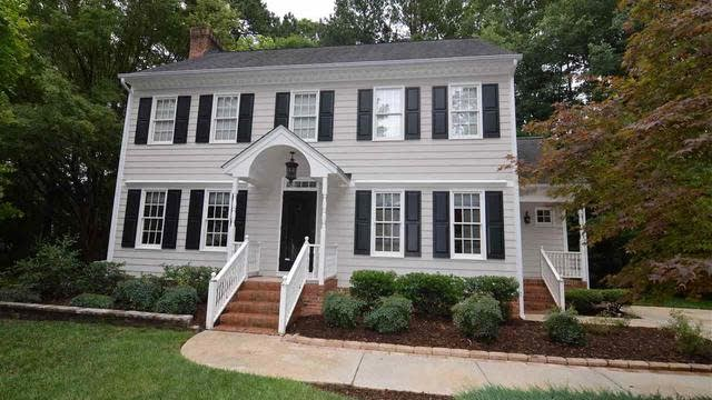 Photo 1 of 26 - 2101 Brixham Ct, Raleigh, NC 27613