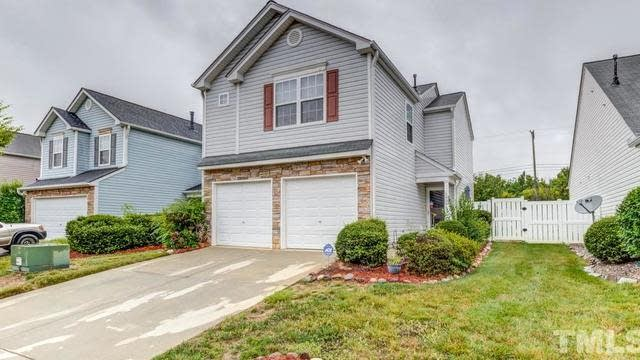 Photo 1 of 30 - 5408 Roan Mountain Pl, Raleigh, NC 27613