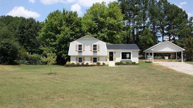 Photo 1 of 22 - 65 Rolling Acres Rd, Youngsville, NC 27596