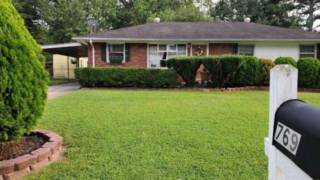 Photo 1 of 15 - 769 King Rd, Jonesboro, GA 30236