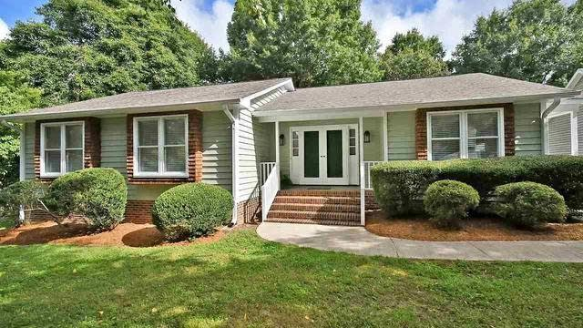 Photo 1 of 28 - 2612 Valley Woods Ct, Raleigh, NC 27613