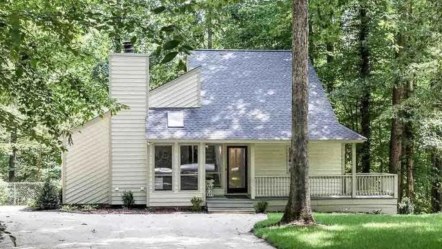 Photo 1 of 25 - 3900 Maplefield Dr, Raleigh, NC 27613