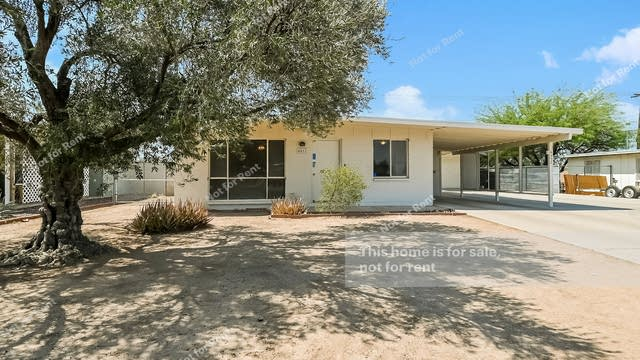 Photo 1 of 27 - 4452 E 32nd St, Tucson, AZ 85711