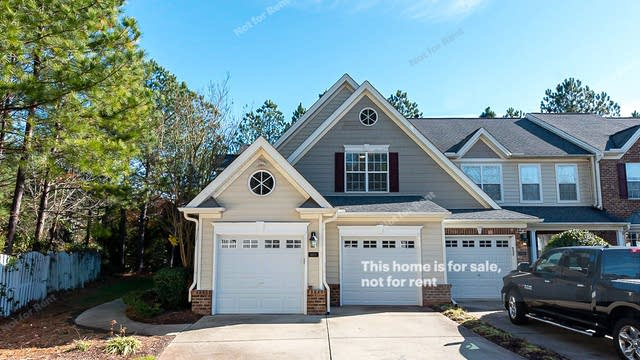 Photo 1 of 27 - 9403 Chasemill Ct, Raleigh, NC 27617