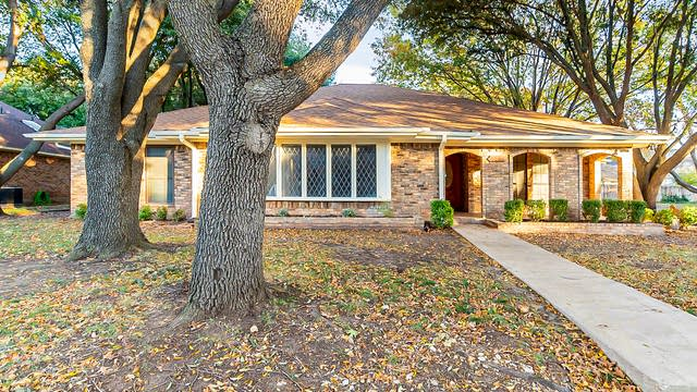 Photo 1 of 22 - 9304 Cape Royale Dr, Fort Worth, TX 76179